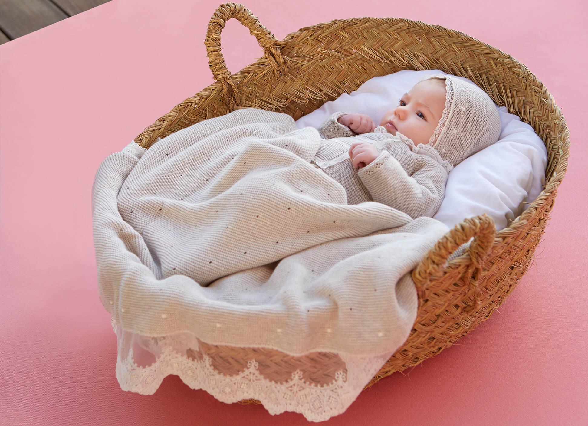 ropa moderna bautizo bebé