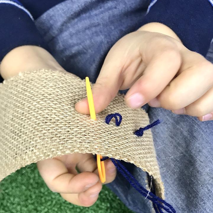 clases extraescolares de costura para niños